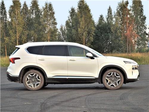 Hyundai Santa Fe (2021) вид сбоку