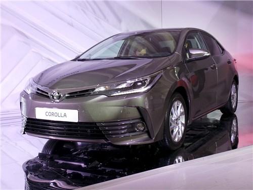 Toyota Corolla 2017 вид спереди
