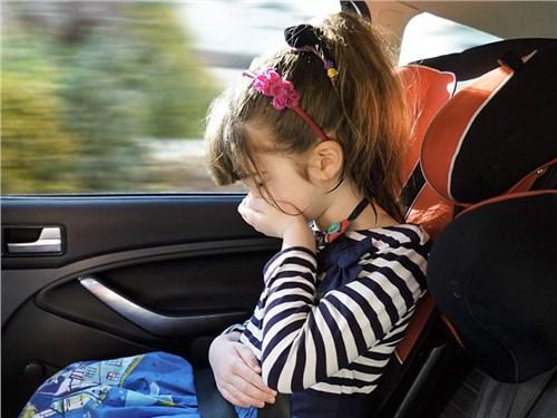 Новость про Ford - Ford решил бороться с укачиванием в автомобиле
