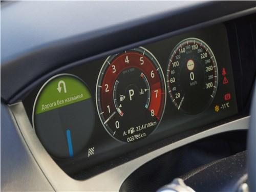 Jaguar F-Pace 2018 приборная панель