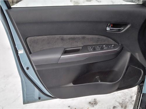 Suzuki Vitara 2019 передняя дверь