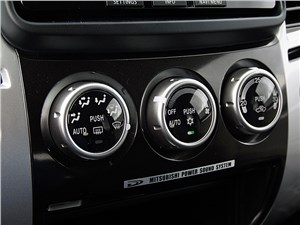Mitsubishi Pajero Sport 2013 управление климатом