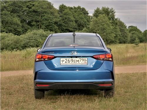 Hyundai Solaris 2020 вид сзади