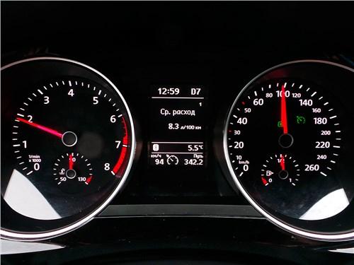 Предпросмотр volkswagen jetta 2015 приборная панель