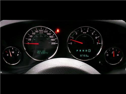 Предпросмотр jeep wrangler 2007 приборная панель