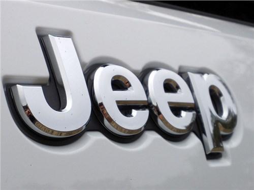 Jeep готовит гибридный кроссовер