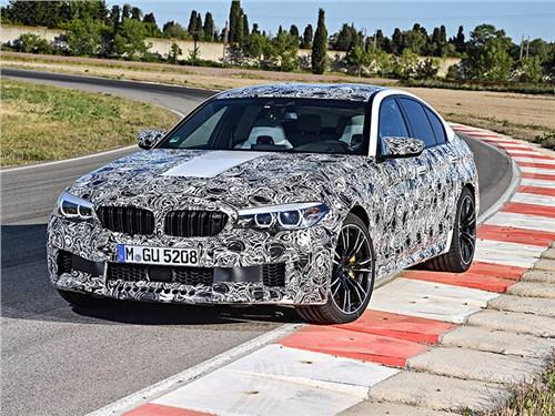 BMW раскрыли технические детали новой М5