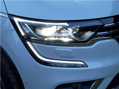 Renault Koleos 2017 передняя фара