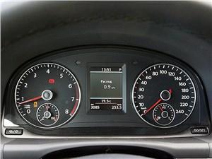 Предпросмотр volkswagen touran 2011 приборная панель
