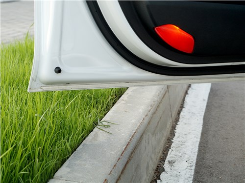 Kia Optima GT-Line 2016 дверь