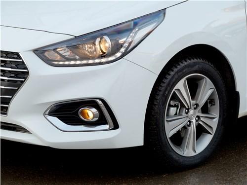 Hyundai Solaris 2017 фара
