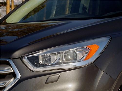 Ford Kuga 2017 фара