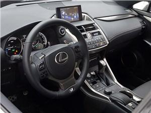 Lexus NX 2014 интерьер