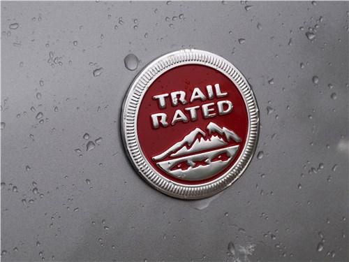 Предпросмотр jeep cherokee 2019 эмблема trail rated