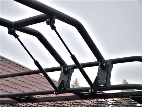 УАЗ 39099 «Экспедиция» (2018) лесенка на крышу
