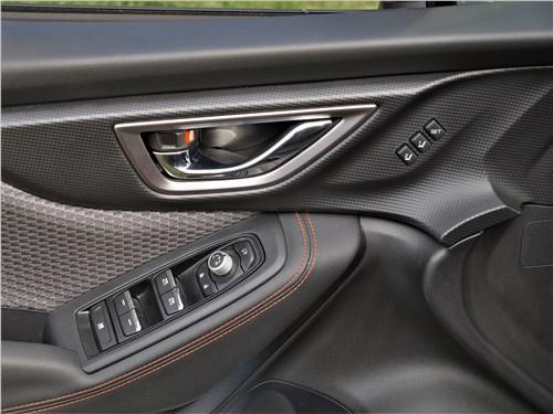 Subaru Forester Sport (2019) дверь
