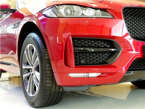 Предпросмотр jaguar f-pace 2016 бампер