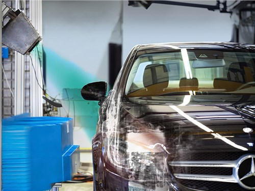 Новость про Mercedes-Benz - Daimler будет использовать рентген на краш-тестах