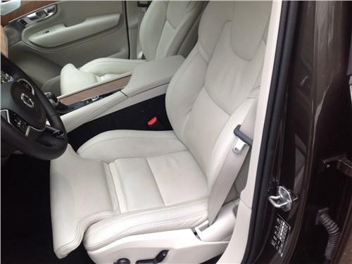 Предпросмотр volvo xc90 2015 передние кресла