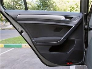 Предпросмотр volkswagen golf vii 2013 дверь