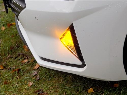 Hyundai Elantra 2019 передние поворотники