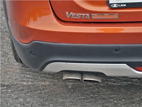 Lada Vesta SW Cross 2018 выхлопная труба