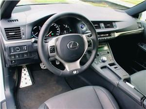 Предпросмотр lexus ct 200h 2011 водительское место