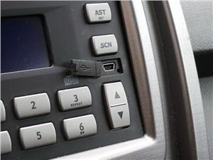 Chery Tiggo 2012 mini-USB вход для аудиосистемы