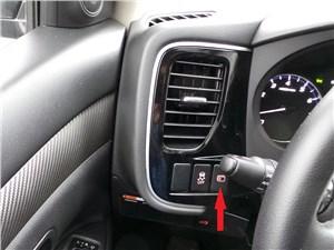 Mitsubishi Outlander 2014 Кнопка листания страниц борткомпьютера