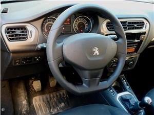 Предпросмотр peugeot 301 2013 водительское место
