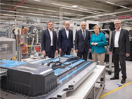 Новость про Mercedes-Benz - Daimler построит крупнейшую «гигафабрику» в мире