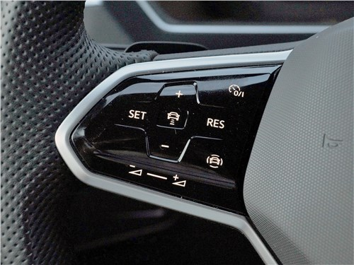 Volkswagen Tiguan R (2021) руль