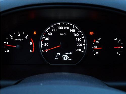 Hyundai Н-1 2018 приборная панель