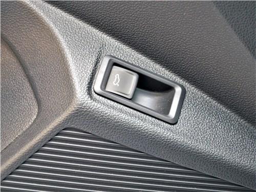 Предпросмотр volkswagen taos (2022) кнопка открытия багажника