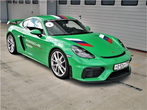 Porsche Cayman GT4 (2020) на треке