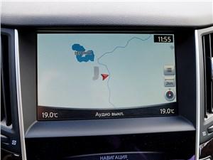 Infiniti Q50S Hybrid 2013 монитор