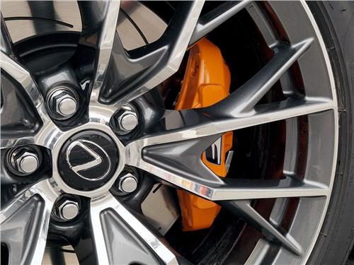 Предпросмотр lexus gs f 2016 колесо