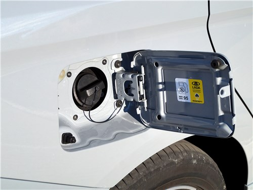 Lada Vesta Sport 2019 горловина бензобака