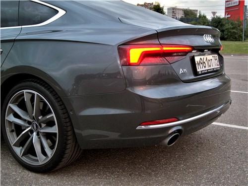 Audi A5 Sportback 2020 задний фонарь