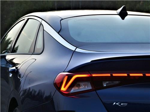Kia K5 2021 задний фонарь