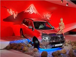 …гибриды и электромобили (продажи гибридного кроссовера Mitsubishi Outlander PHEV стартуют сразу по окончании автосалона),…
