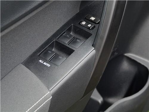Toyota Corolla 2017 стеклоподъемники