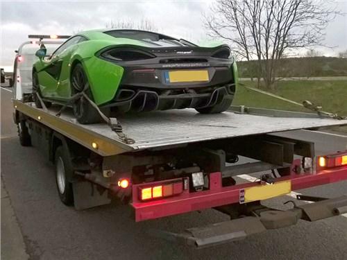 В Британии арестовали суперкары за «антисоциальное поведение на дороге»
