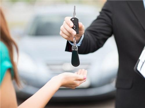Правительство продлило программу льготного автокредитования