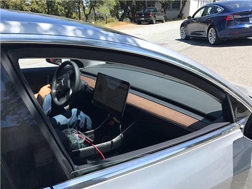 Tesla Model 3 получит минималистичный интерьер