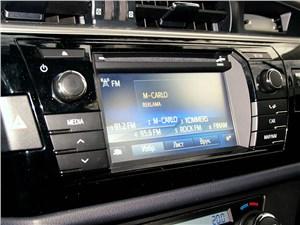 Toyota Corolla 2013 экран мультимедийной системы