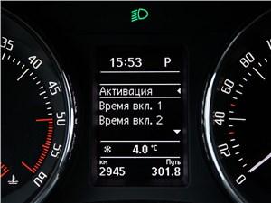 Skoda Superb Combi 2013 приборная панель индикация активации Webasto