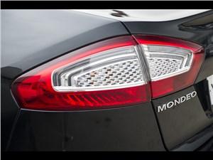 Ford Mondeo 2011 задний фонарь