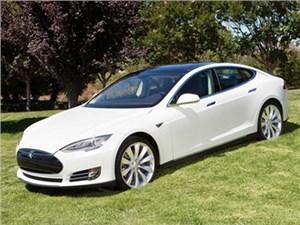 Удлиненная версия Tesla Model S появится на рынке до конца этого года