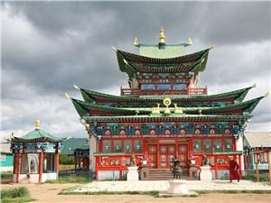 Иволгинский дацан находится в получасе езды от Улан-Удэ